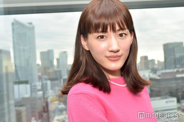 綾瀬はるか、17歳の時のスタイルがすごいと話題に!?